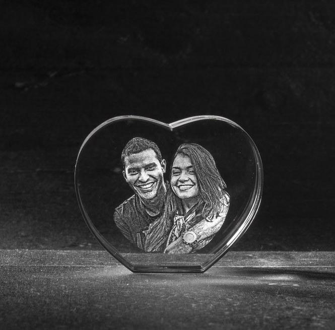 Foto in glas - 3D Kristal Hart met 2 portretten